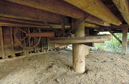 Cotton gin made of wood, iron and steel