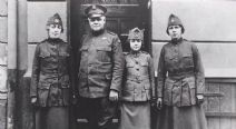 Thumbnail image of Founding Fragments: World War I Women's Uniform resource