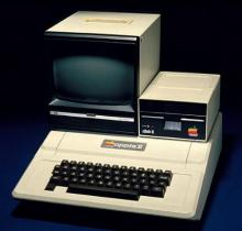 Image of Apple microcomputer